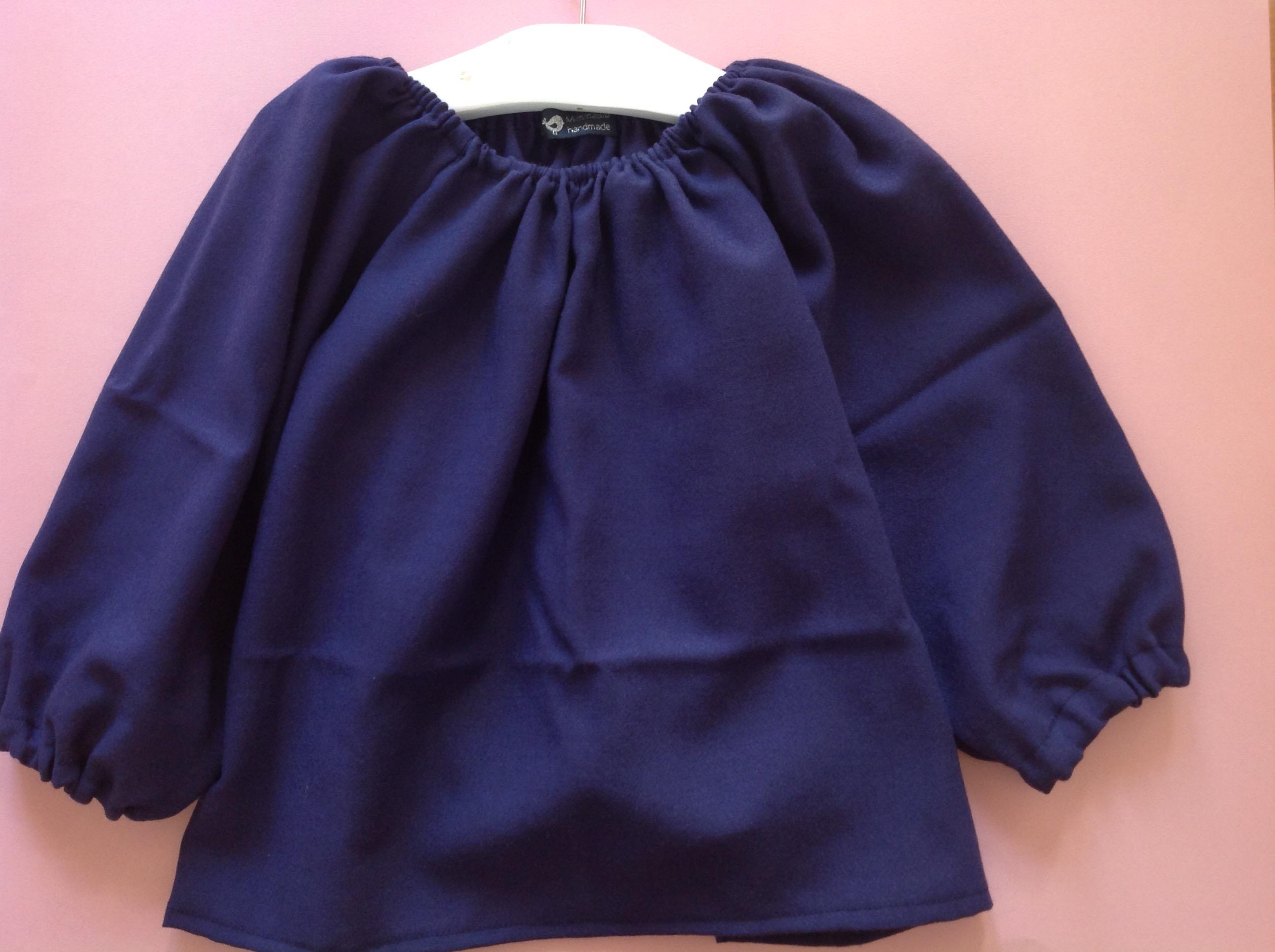 """Blusa in flanella Questa settimana ho sperimentato un altro cartamodello  tratto dal volume """"Come realizzare abiti per bambini"""" di Emma Hardy ... 3cd4d195b96"""